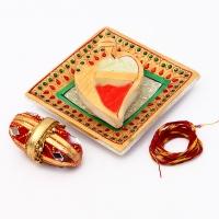 Delicate Marble Chopara with Nariyal